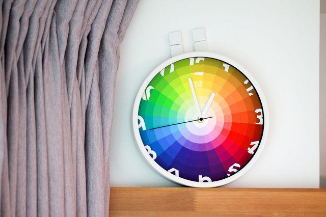 【怎样装修省钱】哪种颜色的灯对健康更好?谈谈灯泡选购原则